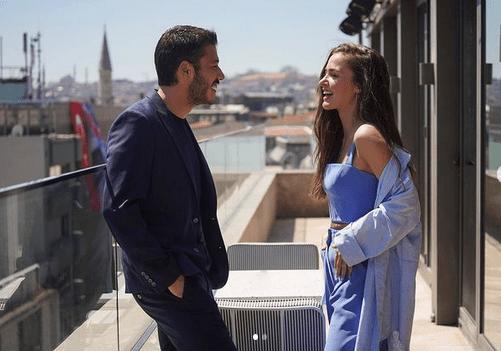 Cam Tavanlar sau Plafoane de sticlă: un nou serial turcesc romantic în 2021 5