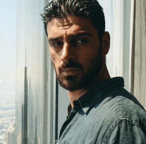 Fotografia actorului italian Michele Morrone a creat confuzie 4
