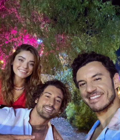 Buray - Sen Sevda Mısın (Official Music Video) 1