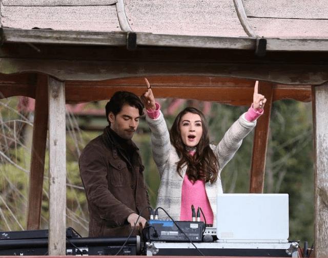 Akin Akinözü și Burcu Özberk în serialul Familia Aslan