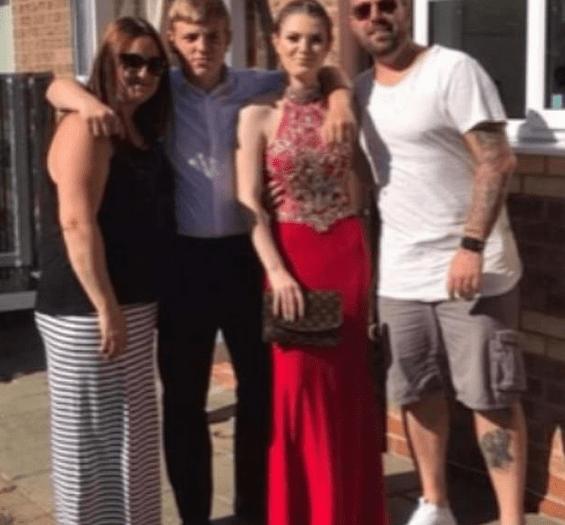 Britanicul  Adam Banks cu soția și copiii