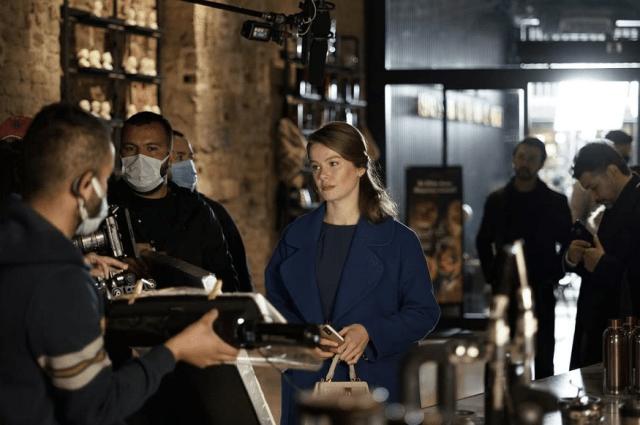 Camdaki Kız-Fata din fereastră: serial dramă romantic turcesc lansat în 2021 10