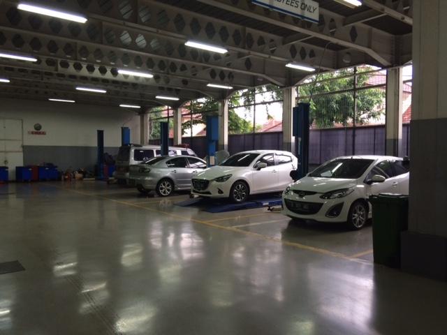 Service Mazda Slipi