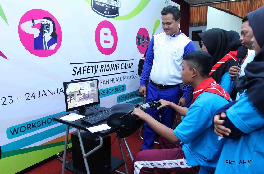 keselamatan berkendara melalui Blogging activity