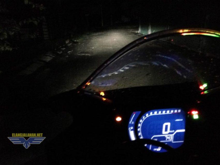 penerangan lampu Honda CBR250RR di malam hari