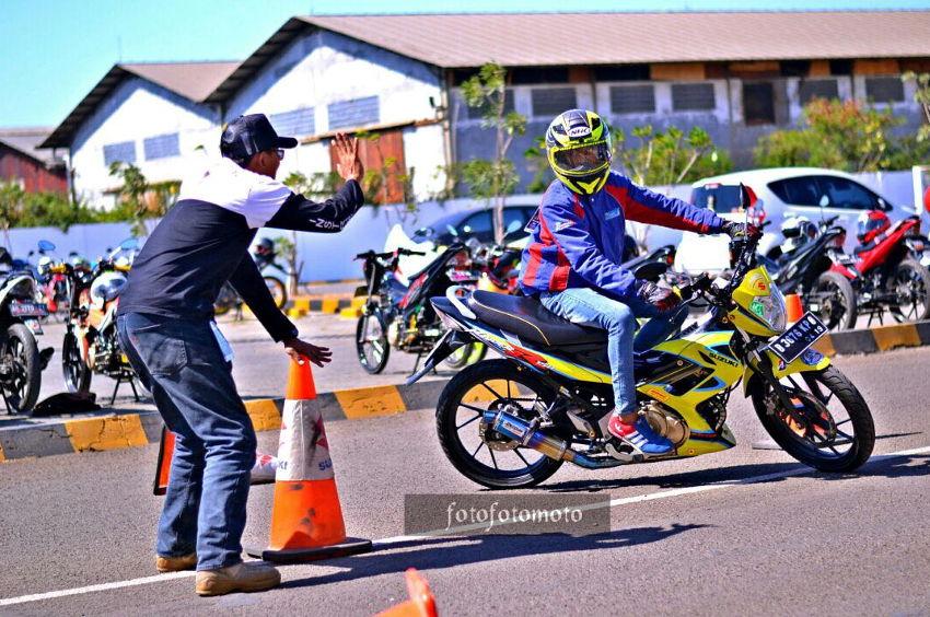 Bikers Suzuki Satria adakan Defensive Riding Training bareng RDL