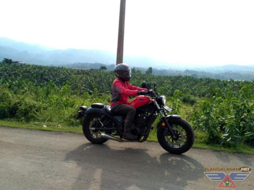 Riding Harian Honda CMX 500 Rebel