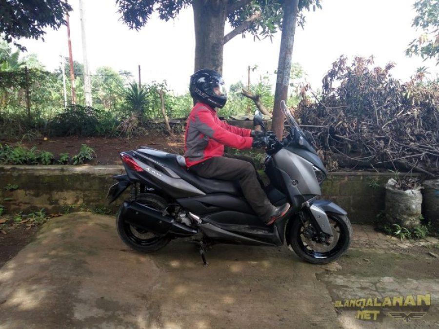 Review Yamaha XMAX 250