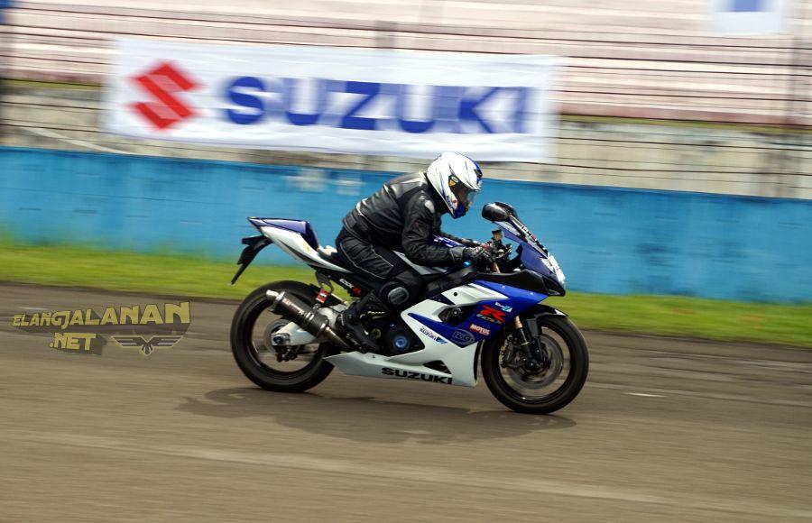 Fun Race Suzuki Bike Meet