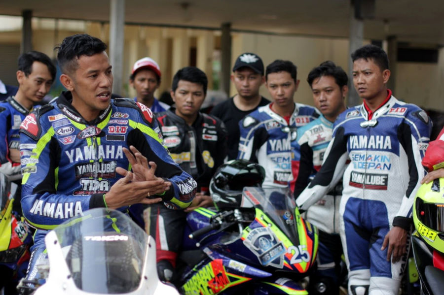 Yamaha Berikan Workshop Racing Untuk Komunitas Riders Yamaha