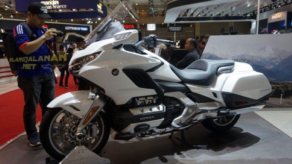 Motor Touring Premium Honda Gold Wing Tour DCT