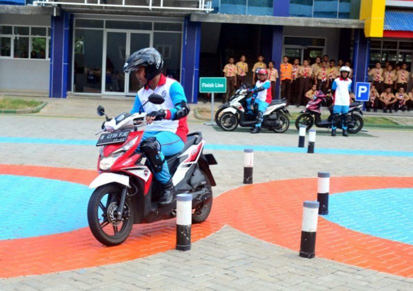 YAHM Bangun Safety Riding Lab Astra Honda