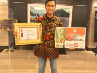 Galang Hendra Raih Penghargaan