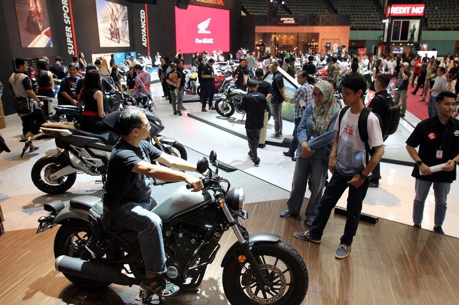 Honda PCX dan Vario Jadi Motor Terlaris
