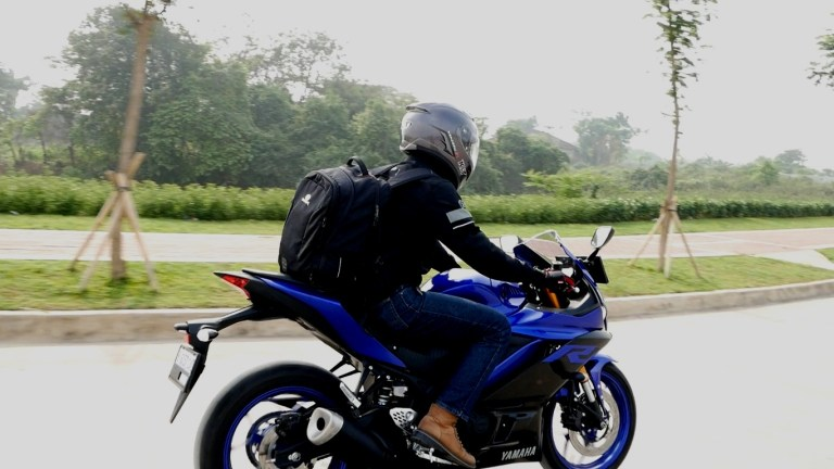 Review Yamaha New R25 buat Harian