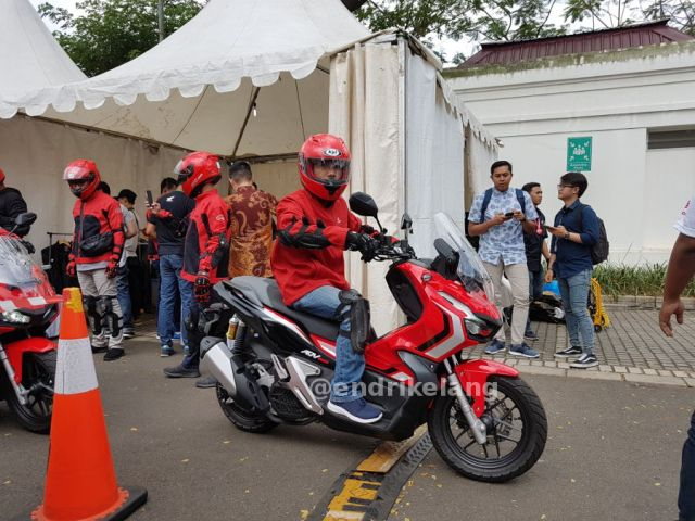 Review Honda ADV 150