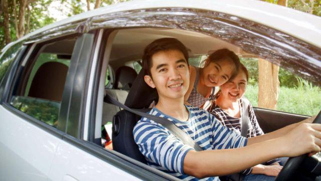Sewa Mobil via Online