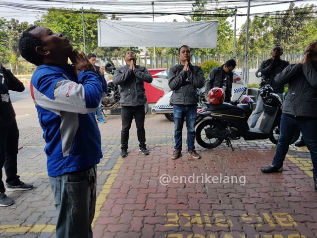 Stretching sebelum fun touring Honda Genio