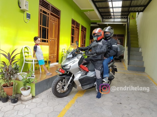 Review Boncengan Naik ADV 150