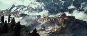 Los Enanos contemplan la Desolación de Smaug