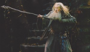 Gandalf lucha en Dol Guldur