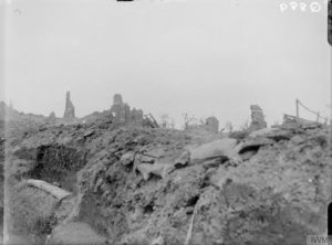 Trinchera de comunicaciones británica en Ovillers (julio 1916). © IWM (Q 889)