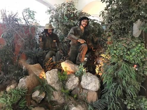 Figuras dos heróis nacionais como Che Guevara