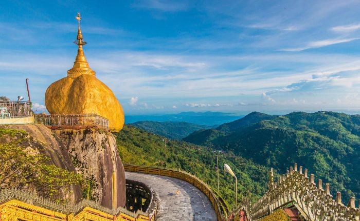 Kyaiktiyo Pagoda, em Myanmar