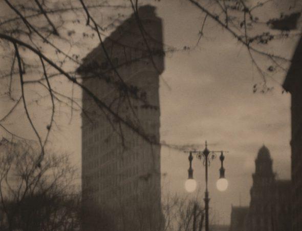 Detalle de la fotografía 'Flatiron' de Alvin Langdon
