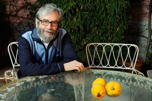 El escritor Antonio Muñoz Molina en su casa de Madrid. Foto: Roberto Villalón.