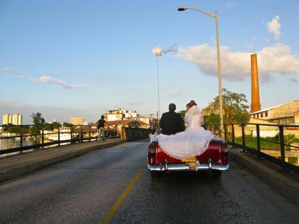 Los novios recién casados. Foto: Ana Esteban