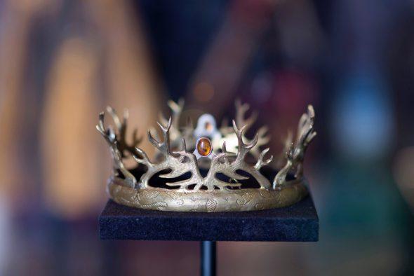 Una de las coronas utilizadas en Juego de Tronos. Foto cortesía de Canal +.