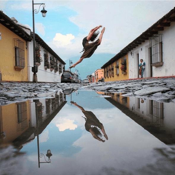 La bailarina Dánnery Paiz del Ballet de Guatemala. La foto está tomada en Antigua, Guatemala. Foto: Omar Z. Robles (Pincha la imagen para ir a Instagram).
