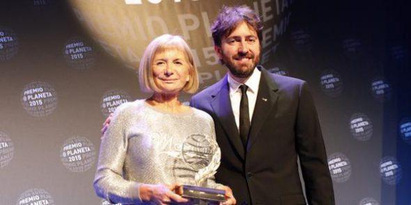 La ganadora del Premio Planeta y Daniel Sánchez Arévalo, finalista.