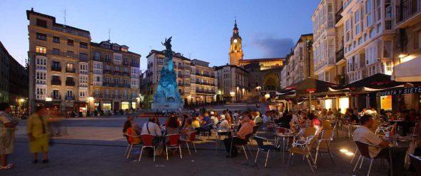 La plaza de la Virgen Blanca, centro de reunión de Vitoria. Foto: VGreencapital2012