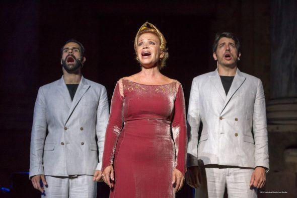 Daniel Ordinas, Paloma San Basilio e Ignasi Vidal en 'La Décima Musa'.