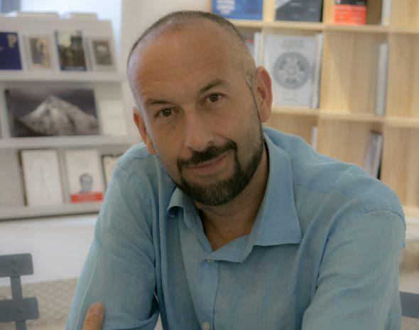 El escritor Javier Expósito.