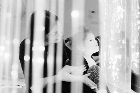 Fotografía de Sergei Stroitelev de la serie The House of Light ganadora del Premio de fotografía Luis Valtueña.