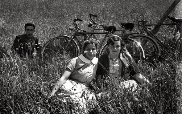 Tarde de verano en el campo (Laviana). Foto de Valentín Vega. Copyright Museo del Pueblo de Asturias