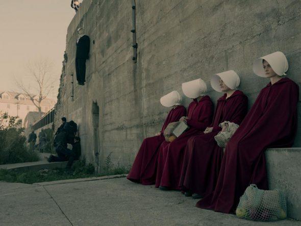 Fotograma de la serie de Hulu 'El cuento de la criada'.