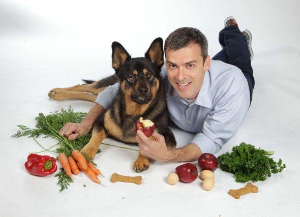 Hay muchos alimentos que son saludables para los perros. Foto: Dog food dude