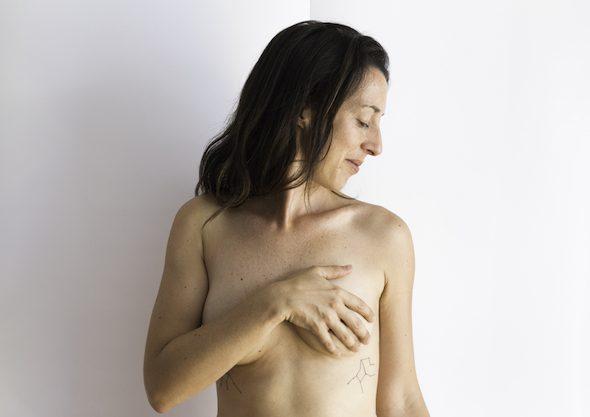 Un momento de la obra 'Teta Lisa' que busca desmitificar el cáncer de mama.