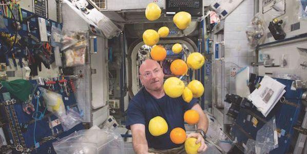 El astronauta Scott Kelly en la Estación Espacial Internacional.