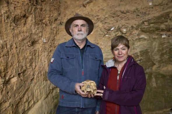 Eudald Carbonell, uno de los directores del Proyecto Atapuerca y la periodista Rosa M. Tristán. Foto: