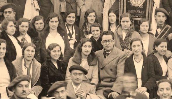Antonio José, en el centro con gafas, aceptó el cargo de director en 1929 y con su esfuerzo y total dedicación el Orfeón alcanzó la madurez y el reconocimiento. Foto: Archivo Municipal de Burgos.