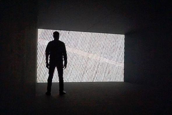 Una de las videoinstalaciones de la exposición 'Please Come Back'. Foto: Manuel Cuéllar.