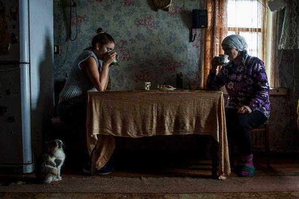 Una escena cotidiana en una casa del entorno de Chernóbil.