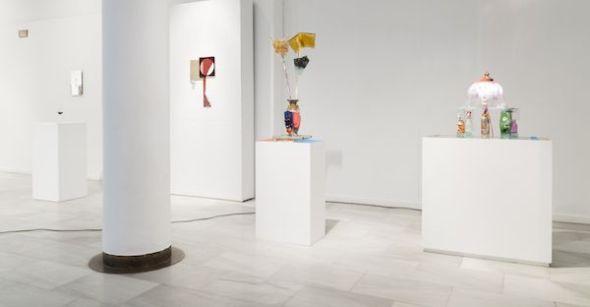 Varias obras en la exposición Working Glass.
