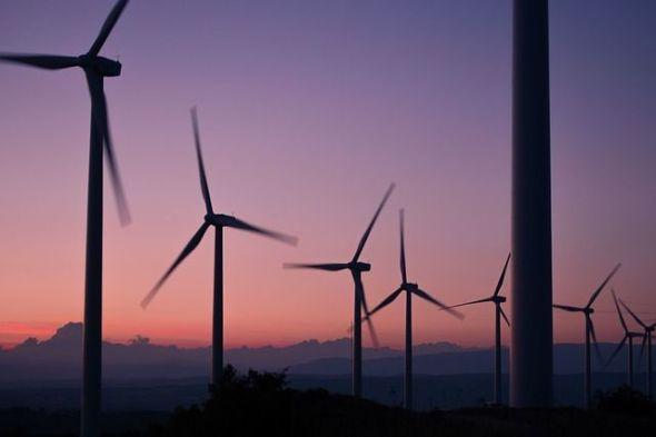 El apoyo de las energías renovables es una de las principales asignaturas pendientes de los Objetivos de Desarrollo Sostenible en España. Foto: Pixabay.