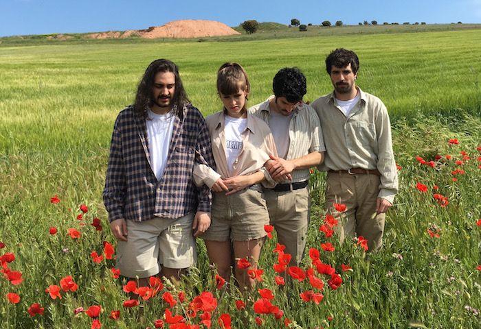 Los cuatro miembros del grupo musical El buen hijo.